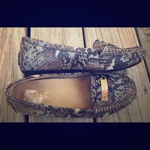 Vionic Sydney snake skin loafer size 7